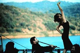 DANS PÅ LIV OG DØD: Ildfulle sang- og dansenumre er det viktigste elementet i Tony Gatlifs «Vengo».