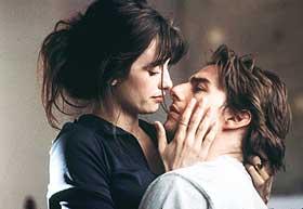 DRØM OG VIRKELIGHET:  Mord og kjærlighet. Nedfrysing og evig liv. Tom Cruise og Penelope Cruz. Sludder og vås. I «Vanilla Sky» får du det meste.