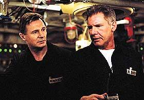 VILJESTERKE MENN:  Liam Neeson og Harrison Ford som kapteinene Mikhail Polenin og Alexei Vostrikov kjemper både sammen og mot hverandre i ubåtthrilleren «K-19», inspirert av en virkelig hendelse fra 1961.