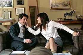 UTSTRÅLING:  Sandra Bullock og Hugh Grant i «Two Weeks Notice».
