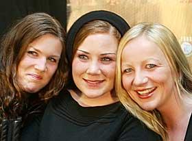 REAGERTE:  Ingerlise Størksen i Ephemera (i midten).