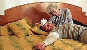 SYDENTURIST:  Elling overvinner både flyskrekk og andre fobier for å glede sin mor.