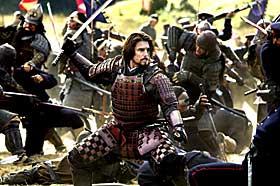RUSTET TIL KAMP:Tom Cruise spiller kaptein Nathan Algren i «Den siste samurai», som har premiere på norske kinoer i morgen. Dagbladets anmelder gir filmen terningkast fem.