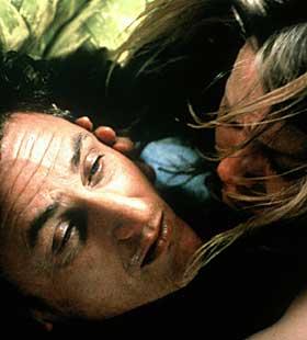 INTENST: «21 gram» er et intenst og sjokkerende puslespill av en film. Oscar-vinner Sean Penn imponerer igjen.