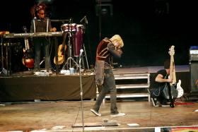 ETT �YE: Som 13-�ring, i en  sl�sskamp i skoleg�rden fikk Bowie det venstre �yet delvis �delagt. Han sloss med kompisen Frank Underwood, da Franks ring raspet opp �yet.