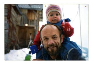 Far og datter: Med pappa Per fra bekymringsløse dager før skilsmissen.