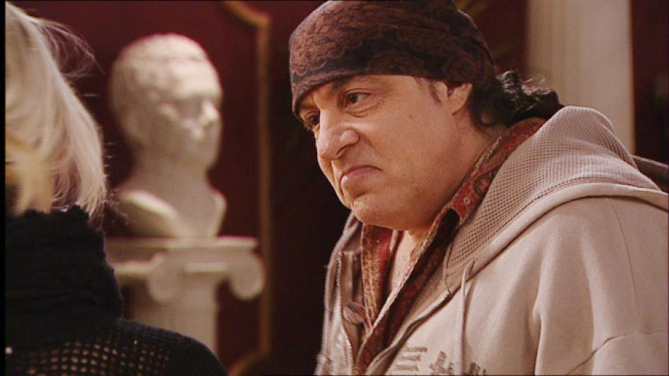 SJEKKET INN: Steven Van Zandt, eller Little Steven, var fast karakter i HBO-suksessen �Sopranos�. N� har han f�tt en gjesterolle som seg selv i �Hotel C�sar�. Foto: Metronome Spartacus