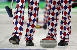 GOLF-INSPIRERT: Buksene er laget av Loudmouth Golf, samme merke som st�r bak buksene til den fargerike golfspilleren John Daly. Foto: AP