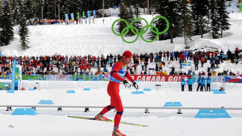 PÅ GULLJAKT: Petter Northug går for sitt første individuelle OL-gull i kveld, og Lukas Bauer er mannen han frykter mest. Foto: AFP