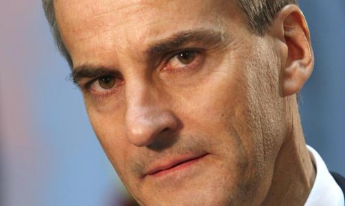 GIKK P� STEINER'N Utenriksminister Jonas Gahr St�re. Foto: Lise �serud / Scanpix