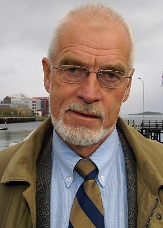 - HASTER: En avtale mellom statene med kyst mot polhavet haster, for � slippe innblanding fra andre interessenter, mener professor II Johan Petter Barlindhaug ved Nordomr�desenteret i Bod�. Foto: Jan-Morten Bj�rnbakk / SCANPIX