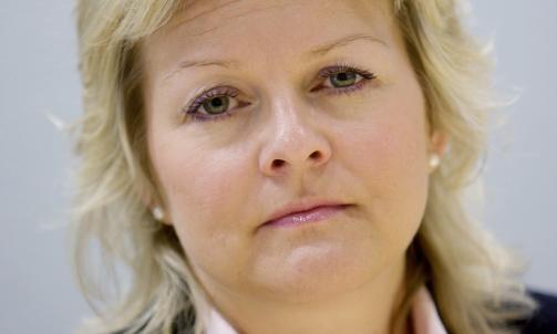 KRYSTALLKLARE: Statssekret�r i N�ringsdepartementet, Rikke Lind, sier at avgj�relsen i Ewos kommer etter sterkt press fra departementet. Foto: SCANPIX.