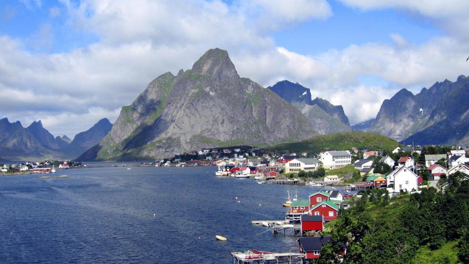 FESTIVALSTED: Reine i Lofoten har sin egen litteraturfestival.  Foto. Hans A Vedlog