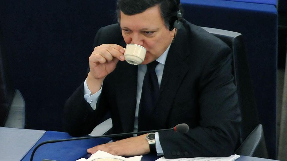 SJEF:  EU-kommisjonens president, portugiseren Jose Manuel Barroso, i en kaffepause p� jobb sist uke. FOTO: AFP/SCANPIX.