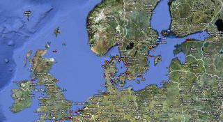 F�LG LIVE: Dagbladets Kystkart viser data fra en del bakkebaserte AIS-stasjoner. AISSat-1 kan overv�ke en mye st�rre del av kysten, men informasjonen blir ikke offentlig tilgjengelig.