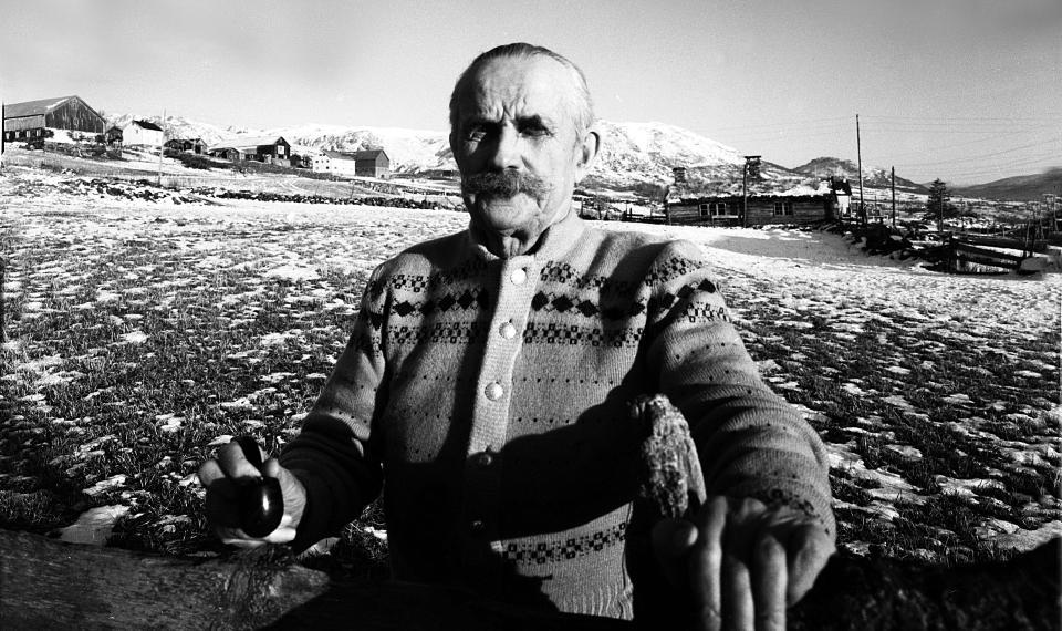 MOT SLUTTEN: Her er Kristofer Uppdal fotografert på hjemmebane i 1959. Foto: Aage Storløkken / SCANPIX
