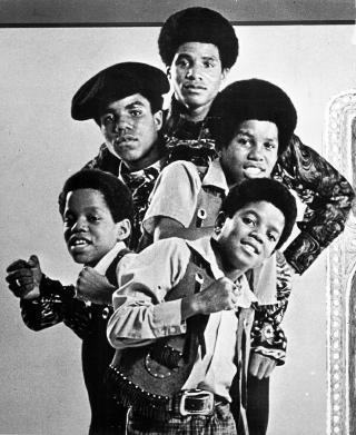 SUKSESS: Det var sammen med brdrene i gruppa The Jackson Five at Michael Jackson startet sin artistkarriere. Foto: Promobilde/Stella Pictures