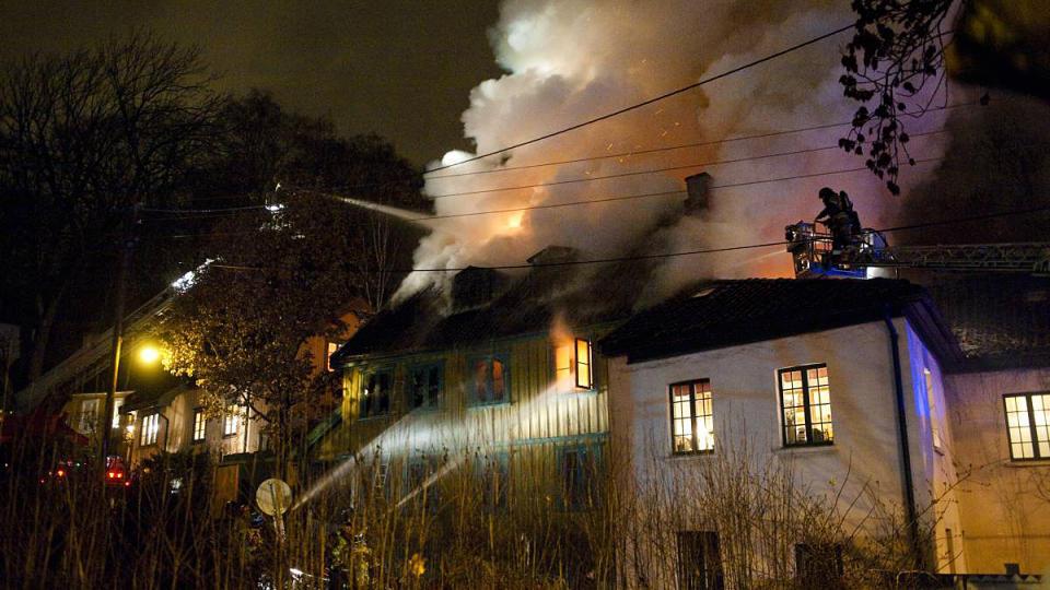 �KNING: Rekordbel�pet p� 2,2 milliarder i forsikringsutbetalinger etter branner i Norge tilsvarer en �kning p� hele 27 prosent fra ifjor. Foto: H�kon Eikesdal