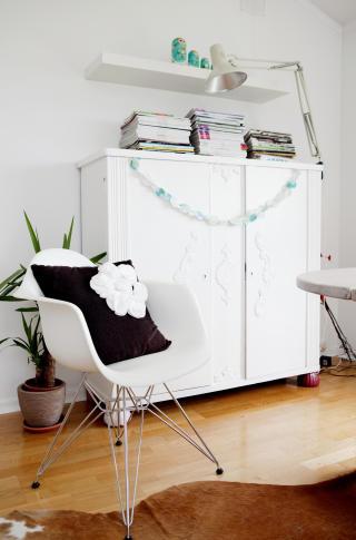 Stolleken: Eames-stolen var en gave til Julie fra Bengt.