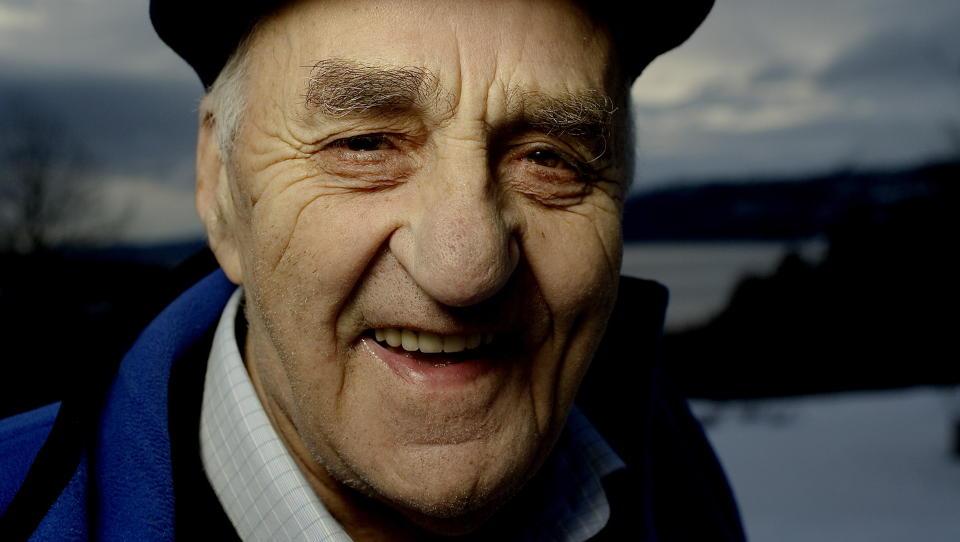 MED EGNE ORD: Joralf Gjerstad forteller om sitt liv, og om kraften han fikk tildelt. Foto: Lars Eivind Bones