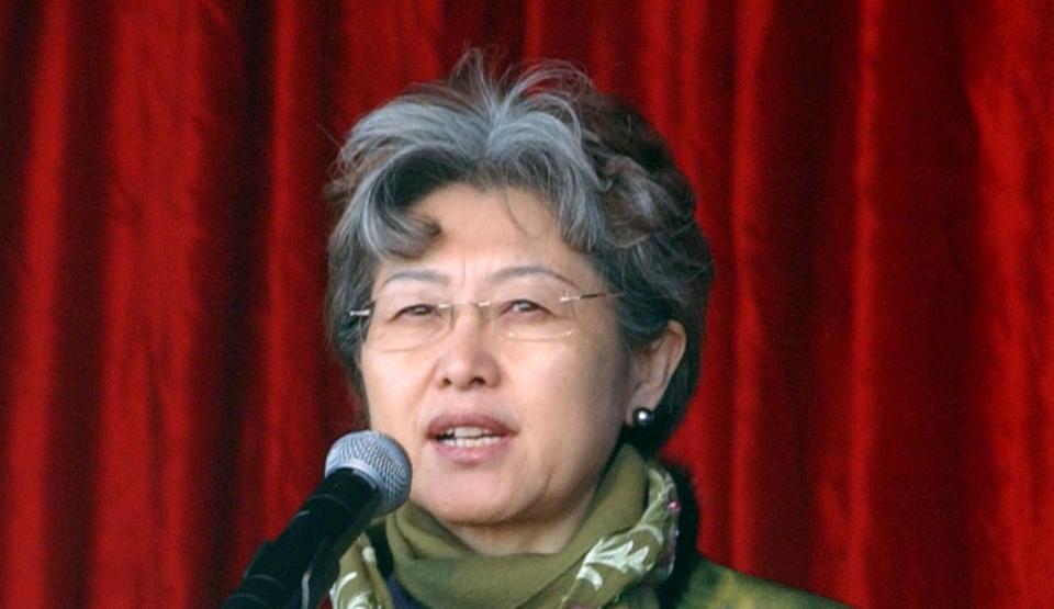 IMOT HANS VILJE: Kinas viseutenriksminister mener nominasjonen av regimekritikeren Liu Xiaobo går imot Alfred Nobels testamente.   - Dere burde vie mer oppmerksomhet til hva Nobel ville med prisen. Den burde gis til noen som støtter opp om fred og nasjonalt samhold, sier hun til Dagbladet. Foto:CAMERA PRESS / Rob Welham