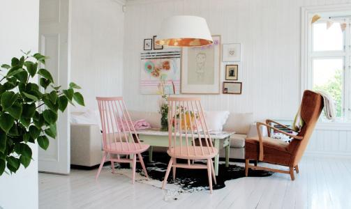 Fryd og Design: Historien om hvordan stuebordet kom p� plass kan v�re verdt en bloggpost hus ukas interi�rblogger.