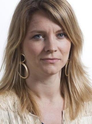TROR P� L�SNING:Kommunikasjonssjef Ragnhild Imerslund i UD h�per og tror p� en positiv l�sning for Marte Deborah Dalelv.