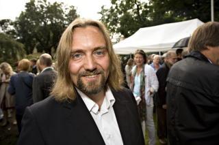TO AV TRE: Carl Frode Tiller kommer med andre bind av sitt romanverk. Blir det tre eller fire? Foto: Anders Gr�nneberg Foto: Anders Gr�nneberg