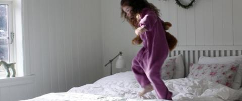 Mali Mo: Skriver om hverdagsliv med mann, barn og katt fra et hus p� landet.