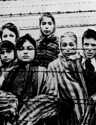 Fondsforvaltere svindlet holocaust-ofre for 250 mill.