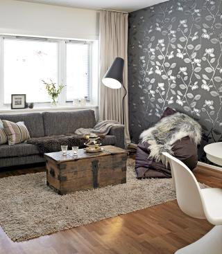 LESELYS: Sørg for godt leselys i sofakroken eller ved godstolen. Foto: Sveinung Bråthen