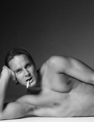 nakne norske kjendiser skeiv penis