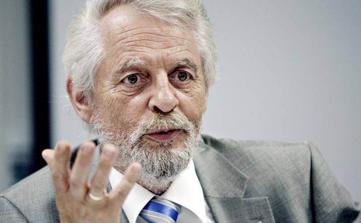 KRITISERER: Riksrevisor Jørgen Kosmo påpeker at bompengeselskapene kan drive mer økonomisk effektivt. Foto: Torbjørn Katborg Grønning / Dagbladet
