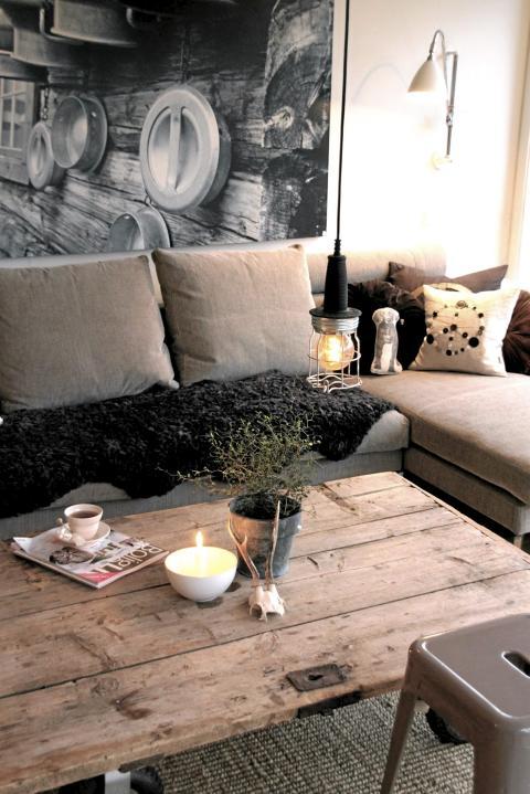 RUSTIKK STUE: Grove materialer og industriell stil i stua til Rosaliga, vinneren av konkurransen. FOTO: Rosaliga