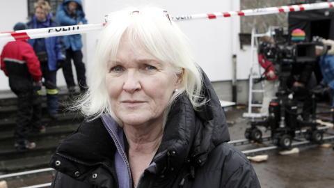 GODT � V�RE I PRODUKSJON: Bitte Monn-Iversen er glad hun jobber praktisk med produksjon, s� hun slipper � tenke p� kuttforslagene. Foto: Erling H�geland