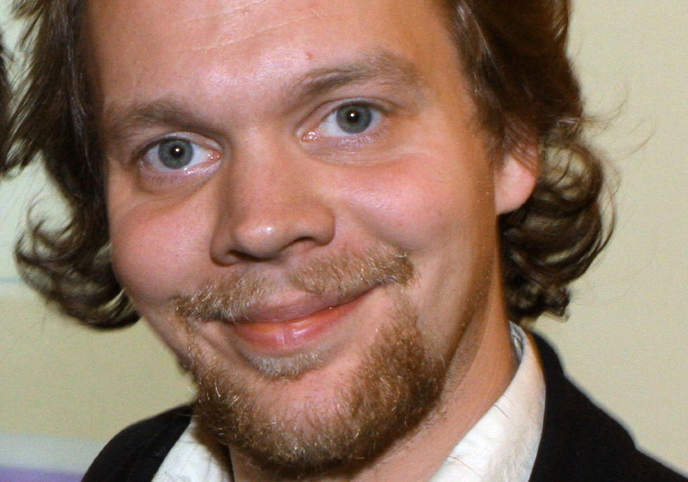 REISESJEKKEN: Komiker Jon Niklas R�nning vil til Budapest med kj�resten. Foto: Anders Gr�nneberg