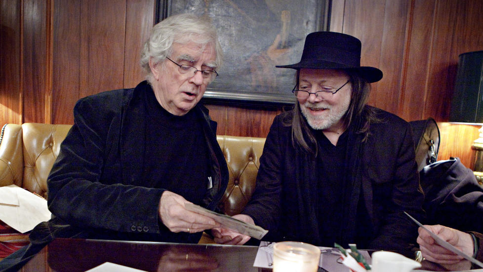 FOR OSLO: Lillebjørn Nilsen og Jan Erik Vold har sunget å skrevet mye om Oslo. De møttes for snart 45 år siden. -jeg skulle skrive noen ord om Lillebjørn - det ble essay på 18 sider, sier Vold. Foto: Lars Eivind Bones