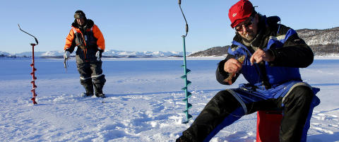 Isfiske i minus 28 er ikke for pyser