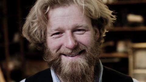 GRAVER I SLEKTA : Petter Schjerven er en del av programmet Hvem tror du at du er? FOTO: SVEINUNG U. YSTAD, Dagbladet