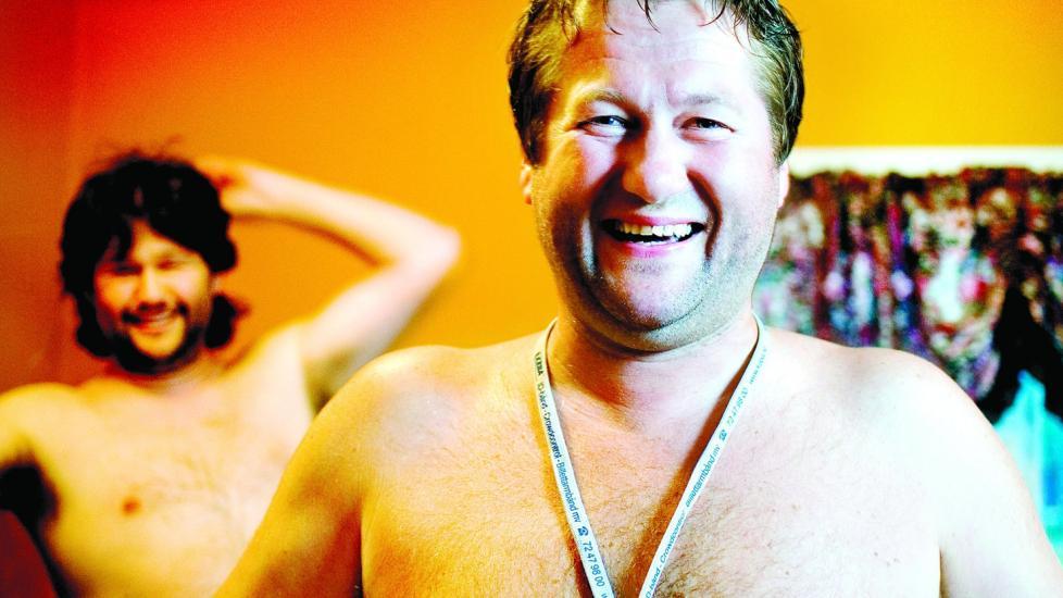 -� E FINNJ DDE-frontfigur Bjarne Br�ndbo er med i f�rste episode av Hvem tror du at du er? p� NRK. Her er han p� ungkarsfestivalen i Suldal sammen med lillebror Eskil Br�ndbo. Foto: Anniken C. Mohr/Dagbladet