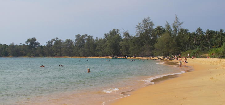 �Y-IDYLL: Den rolige �ya Bamboo Island ligger like utenfor Sihanoukville, rundt en times b�ttur unna. Foto: SIRIL K. HERSETH