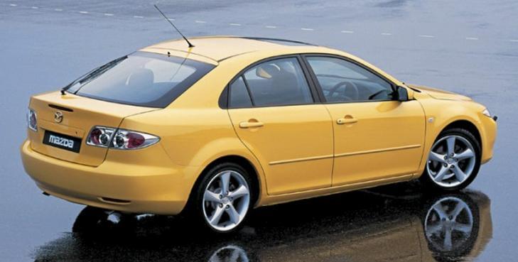 PRISGUNSTIG: Mazda 6 kom i tre karosseriversjoner, kombimodellen er noe mer prisgunstig enn stasjonsvogn som bruktbil.
