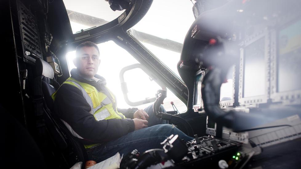 BEKYMRET: Fagforeningsleder Carl Gilbert Rego i Bristow Norway bekrefter store problemer med st�y og virbrasjon i Sikorsky S-92.  Piloter f�r helseplager og m� slutte.  Foto: Tommy Ellingsen