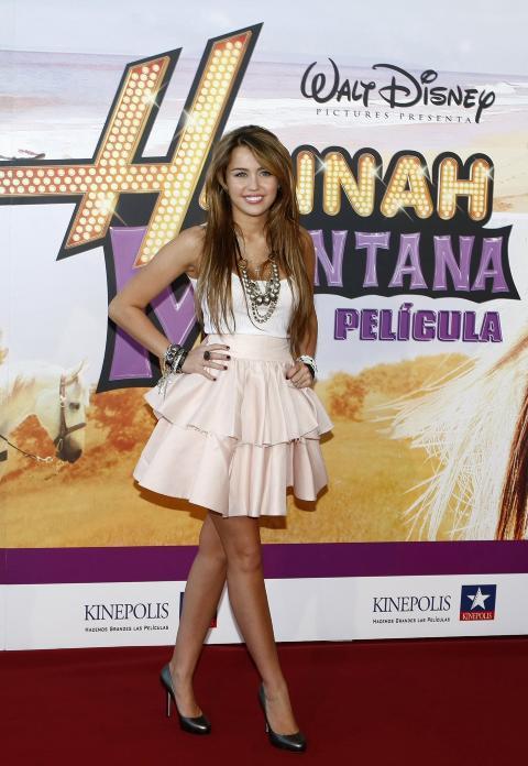 - ANGRER: Miley Cyrus' far, Billy Ray Cyrus, mener datterens Disney-serie splittet familien. Foto: Scanpix