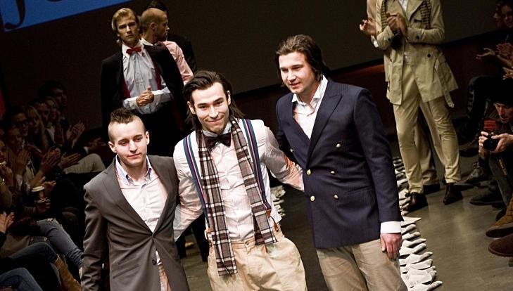 VAR TRE: De var opprinnelig tre bak herremerket Julius Caesar. Nå er det Thomas Solli Sandvik (t.v.) og David Strømman Nedal som står igjen. Her er fra visningen under Oslo Fashion Week i 2009. Foto: Stella Pictures