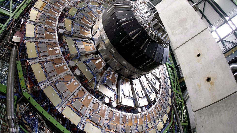 Higgs-partikkelen:  H�pet til forskerne ved CERN er at de skal f� svar p� om higgs-partikkelen finnes eller ikke innen de neste to �rene. F�r de bekreftet dens eksistens, er vi et stort steg n�rmere � f� svaret p� hvor masse kommer fra. Foto: Scanpix