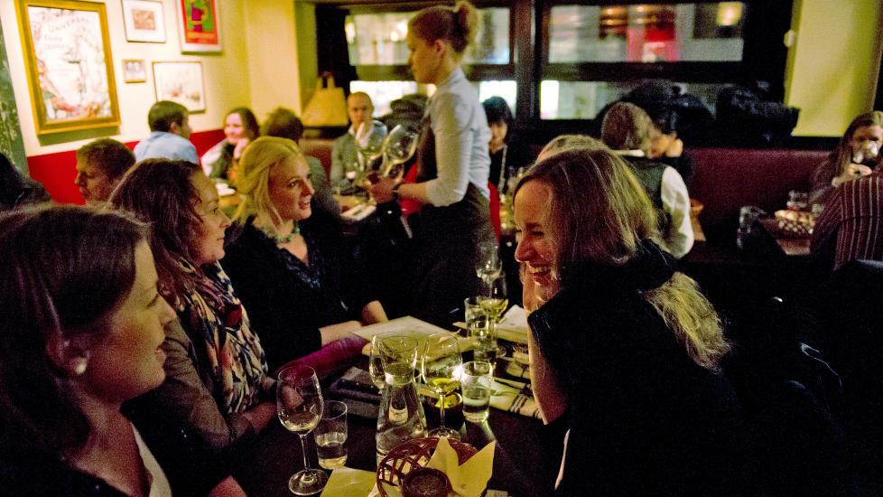Sjarm�r: St. Lars har god atmosf�re og lave priser. Blir servicen bedre b�r suksessen v�re sikret.  Foto: Roger Brendhagen/Dagbladet