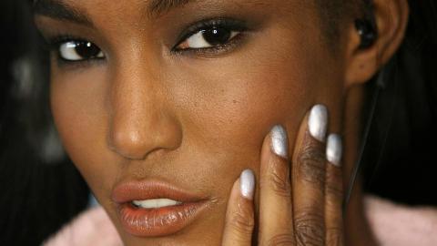naturlig massage mörk hud