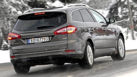 STOR: Ford Mondeo er 1,9 meter bred, og det bidrar til at bilen gir sj�f�ren storbilf�lelse. FOTO: Egil Nordlien, HM Foto