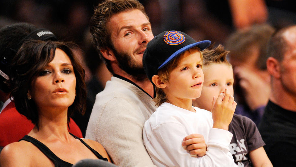 GUTTEKLUBB: Victoria Beckham og fotballektemannen David Beckham har de tre s�nnene Brooklyn (12), Romeo (8) og Cruz (6) sammen. N� venter paret sin f�rste jente. Foto: Afp / Scanpix